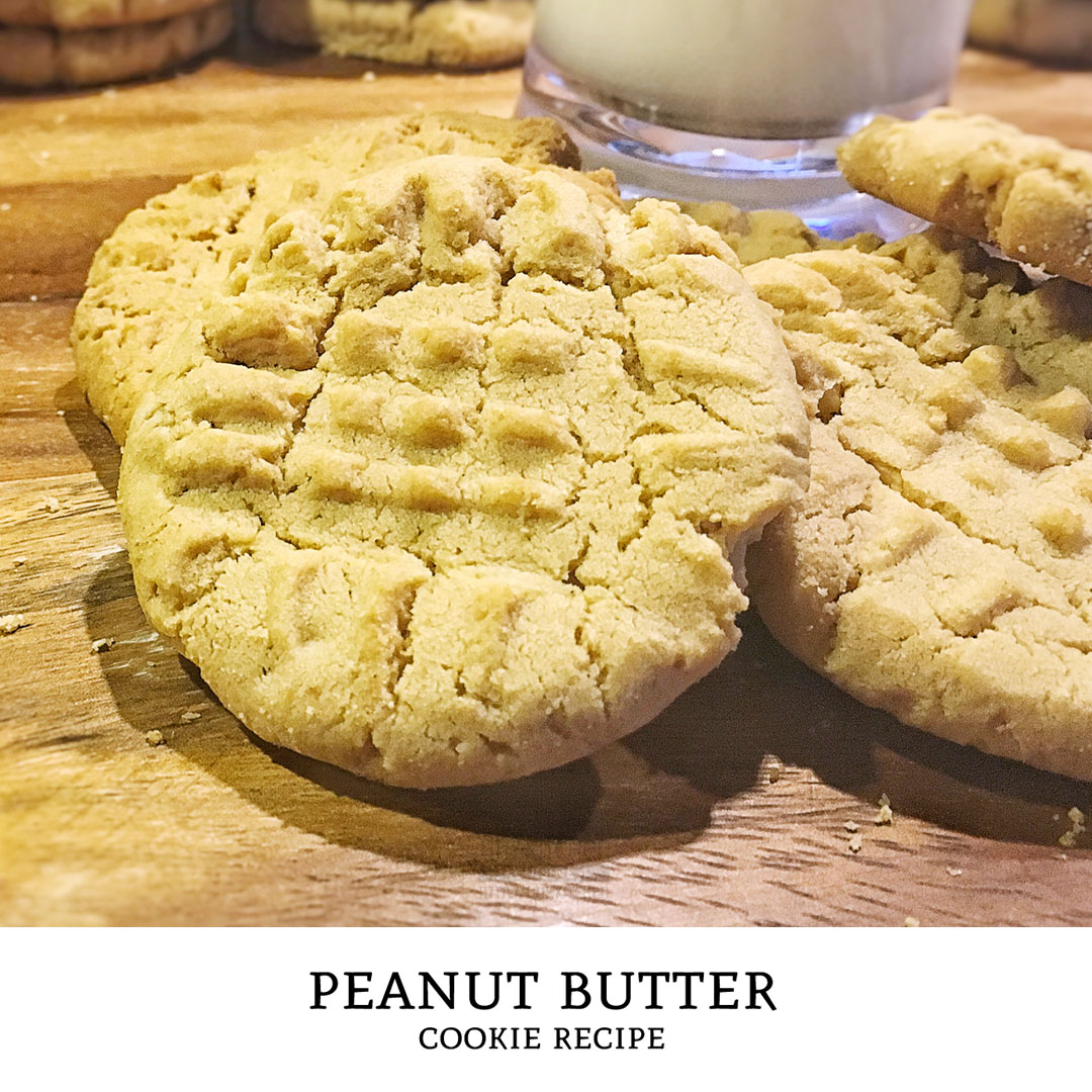 Love peanut butter cookies? They're salty, sweet, crunchy... bake this peanut butter cookie recipe and you will be coming back for more! | Tiny Kitchen Cuisine | http://tiny.kitchen